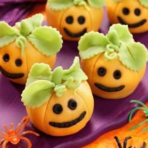 Pumpkin Truffles - so cute for a Halloween Party!