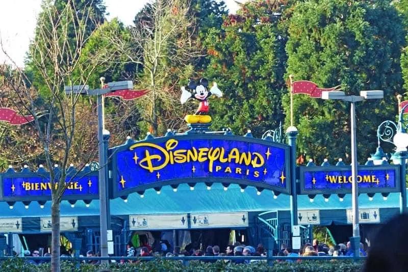 Disneyland Paris Welcome Sign