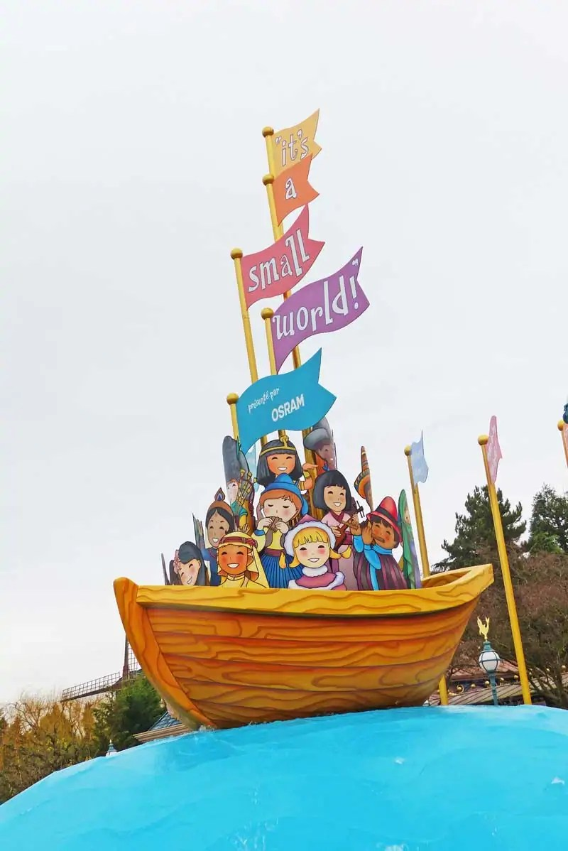 its a small world - Disneyland Paris