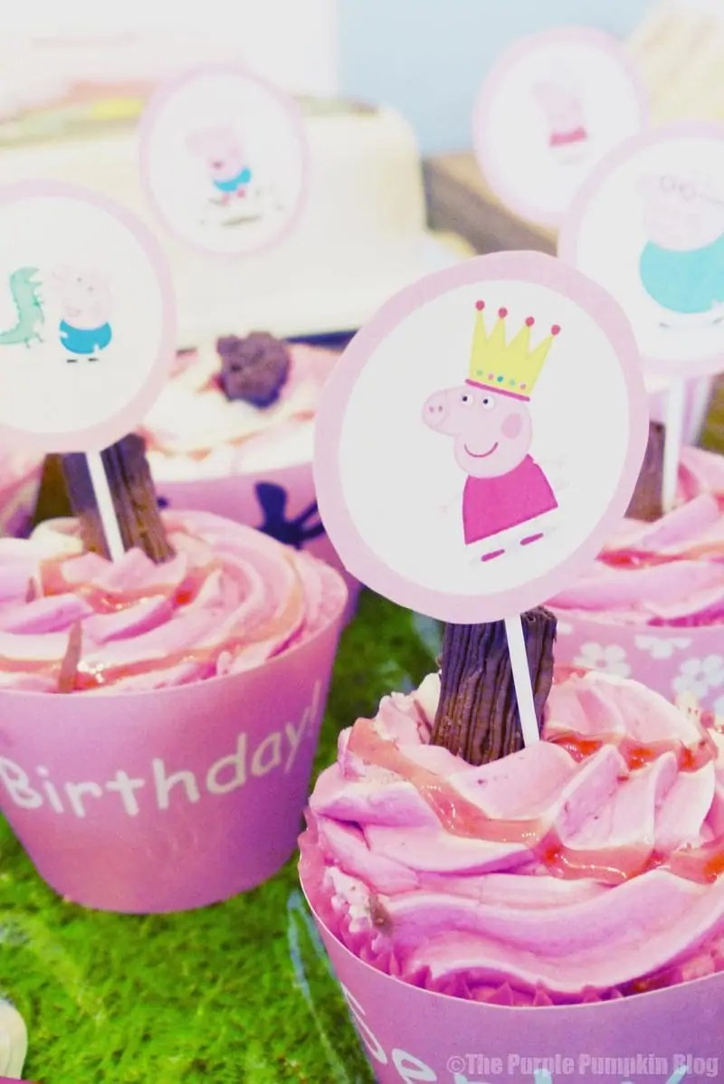 Peppa Pig Cupcakes - free printable cupcake wrappers and toppers