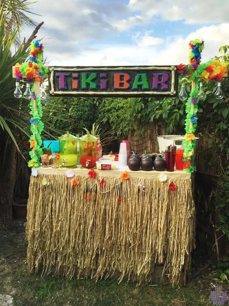 How to build a tiki bar using old pallets part 2 the for Homemade tiki bar pics