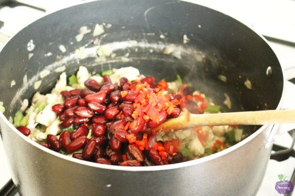 How to make simple chicken chilli - add beans and chillies