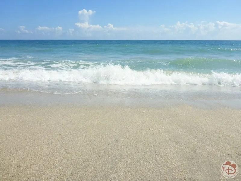 Ocean breaking on the beach
