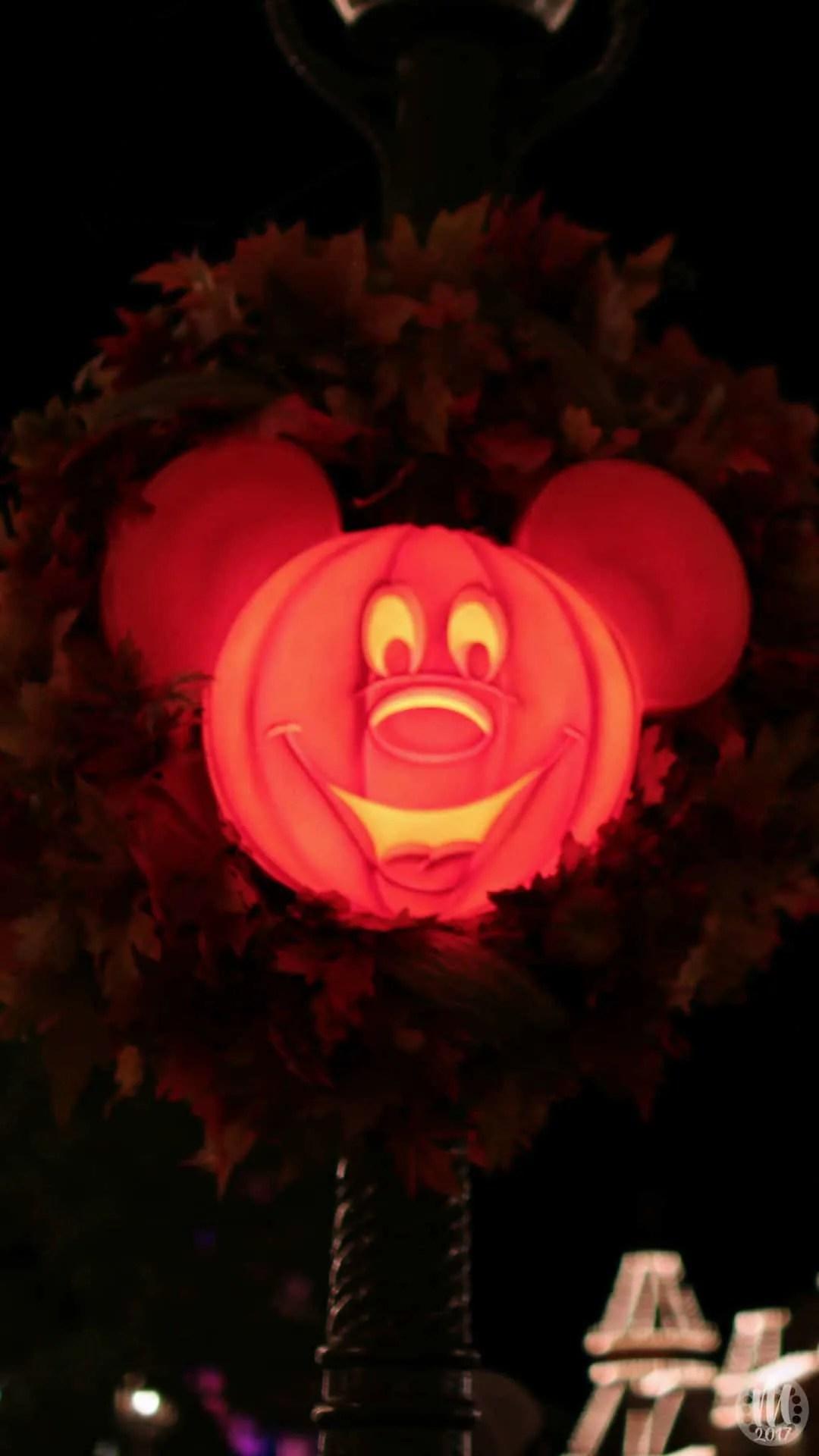 Disney Halloween iPhone Wallpapers - Mickey o'Lantern