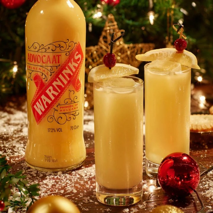 Learn how to make a Snowball and other Christmas cocktails! These cocktails are classic for a reason and the festive season! So eat, drink and be merry with these Christmas cocktail recipes! Cheers!
