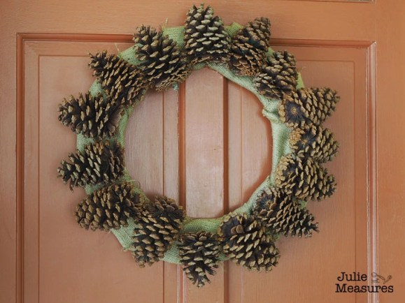 pinecone-burlap-wreath