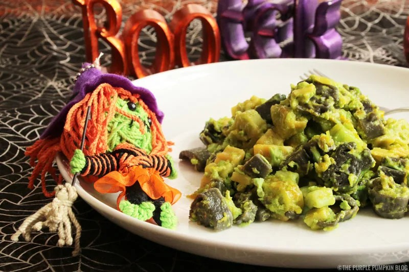 This 'Toxic' Mac 'n' Cheese Recipe is a great Halloween dish for dinner or for a party buffet table. All it takes is some spooky shaped pasta and green food colouring to turn regular macaroni and cheese into this 'toxic' version for Halloween!