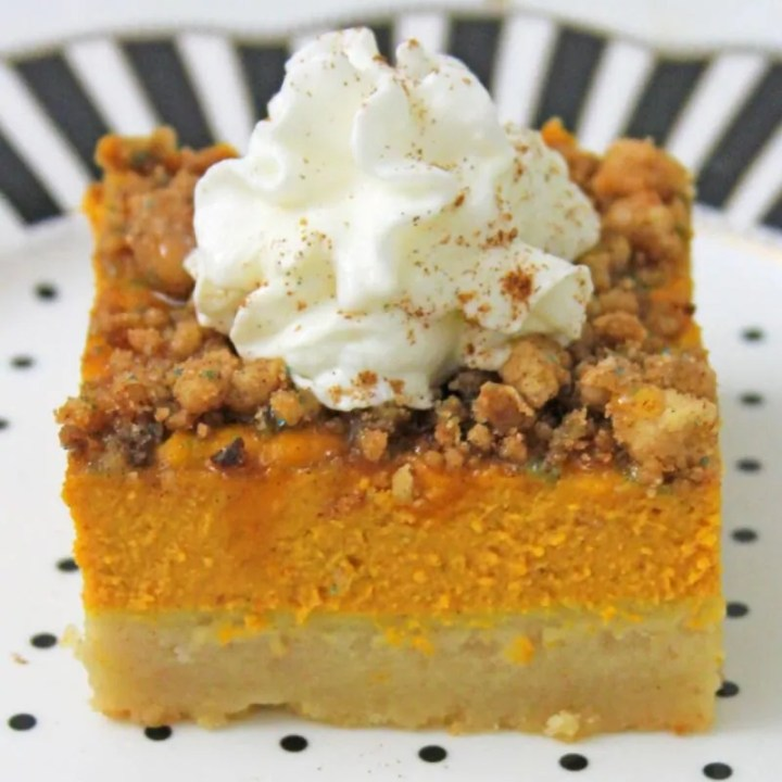Pumpkin Bars with Cinnamon Streusel