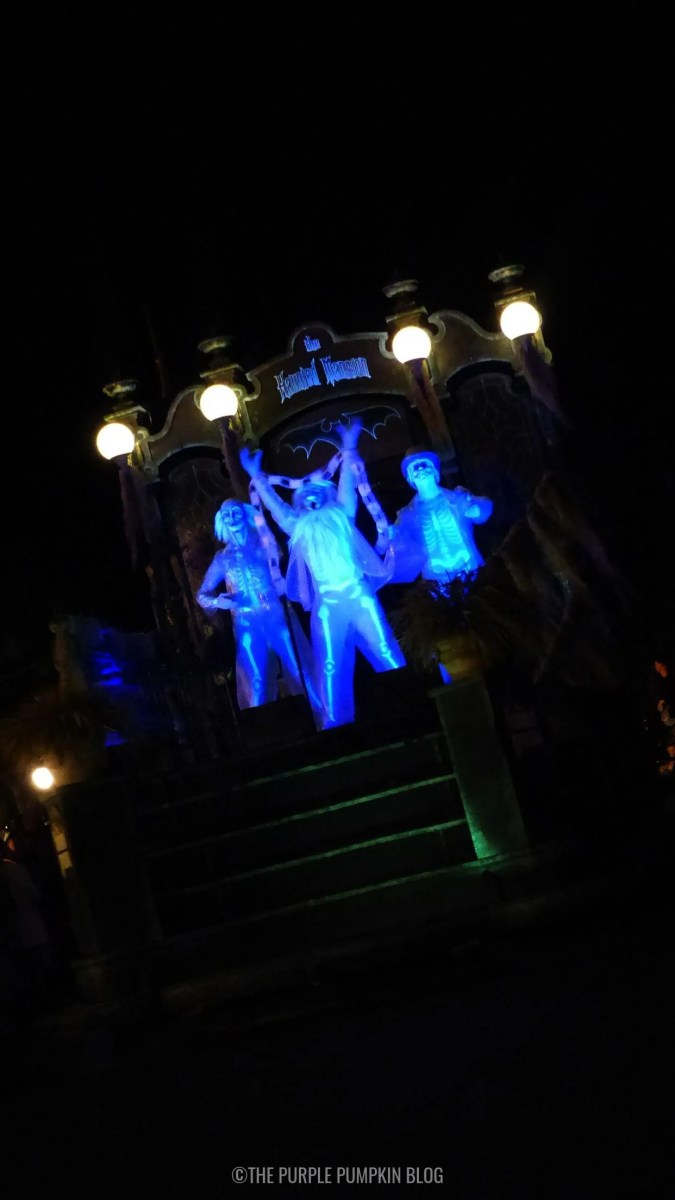 Haunted Mansion - Grim Grinning Ghosts Phone Wallpaper