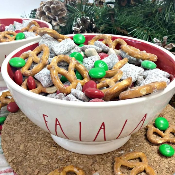 Reindeer Chow Snack Mix