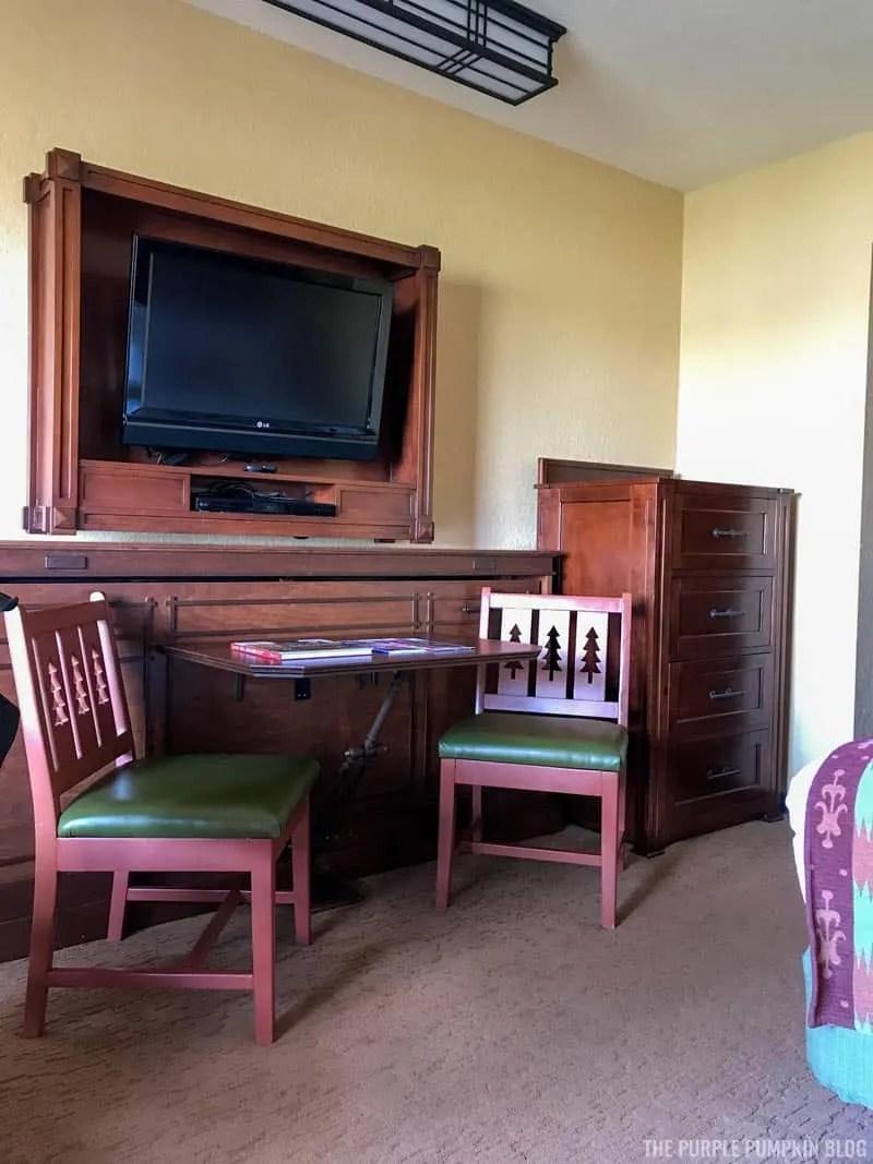 Room 3561 Boulder Ridge Villas - Table & Chairs