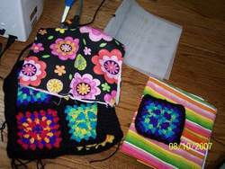 Granny-Square-Pucker-Purse-12