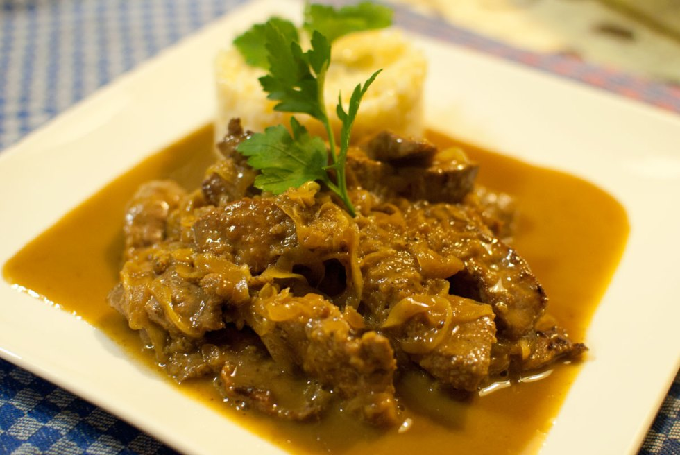 fegato alla veneziana, venetian calf's liver and onions, What to Eat in Venice, Venetian cooking