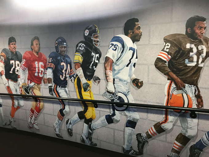 9 Reasons the Pro Football Hall of Fame Needs to be on Your Family's Bucket List