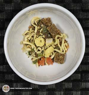 #2413: Nissin Cup Noodles Beef Flavour - Hong Kong - The Ramen Rater - instant noodles