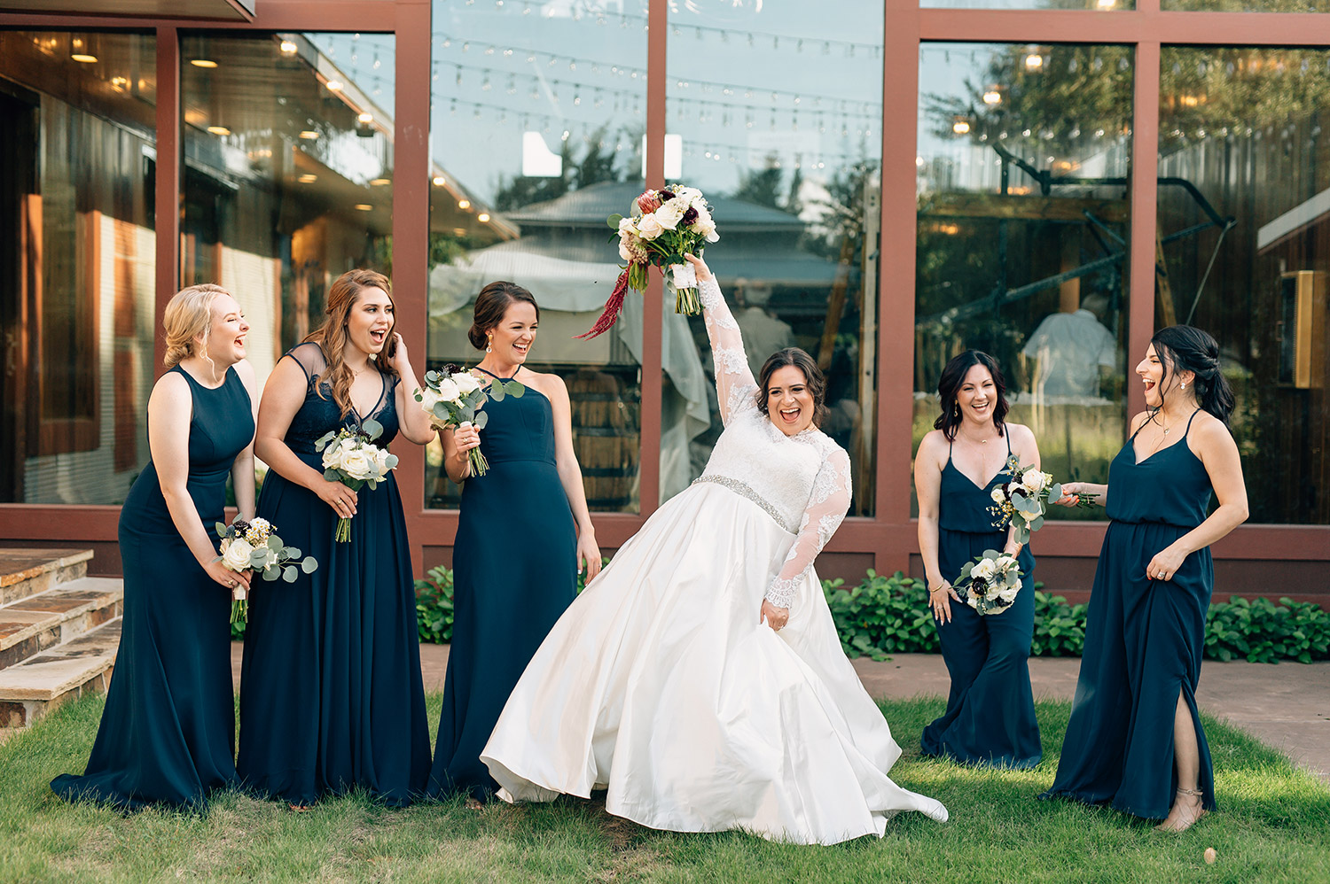 bridesmaids in navy blue at cotton gin no. 116