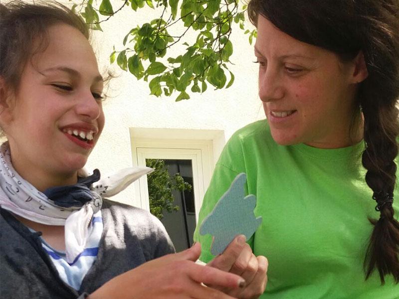 Schritt für Schritt - Verein zur Förderung behinderter Kinder - Emilia und Theresa