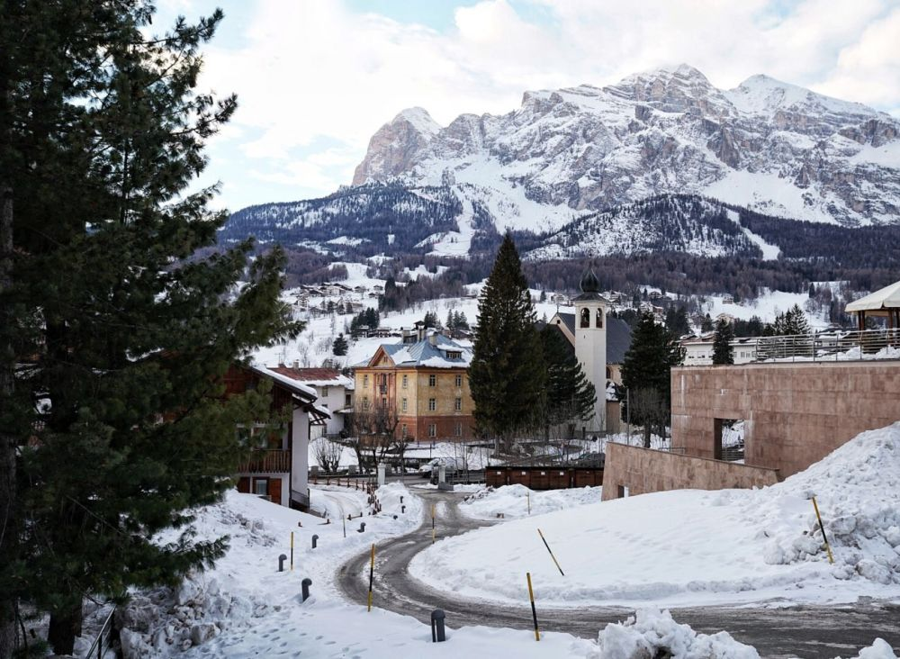Cortina ski resort in Northern Italy - a top choice for winter ski-ing destinations