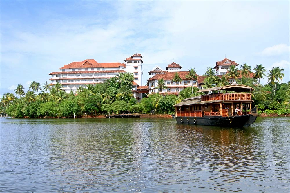 Ashtamudi Lake Resorts - The Raviz