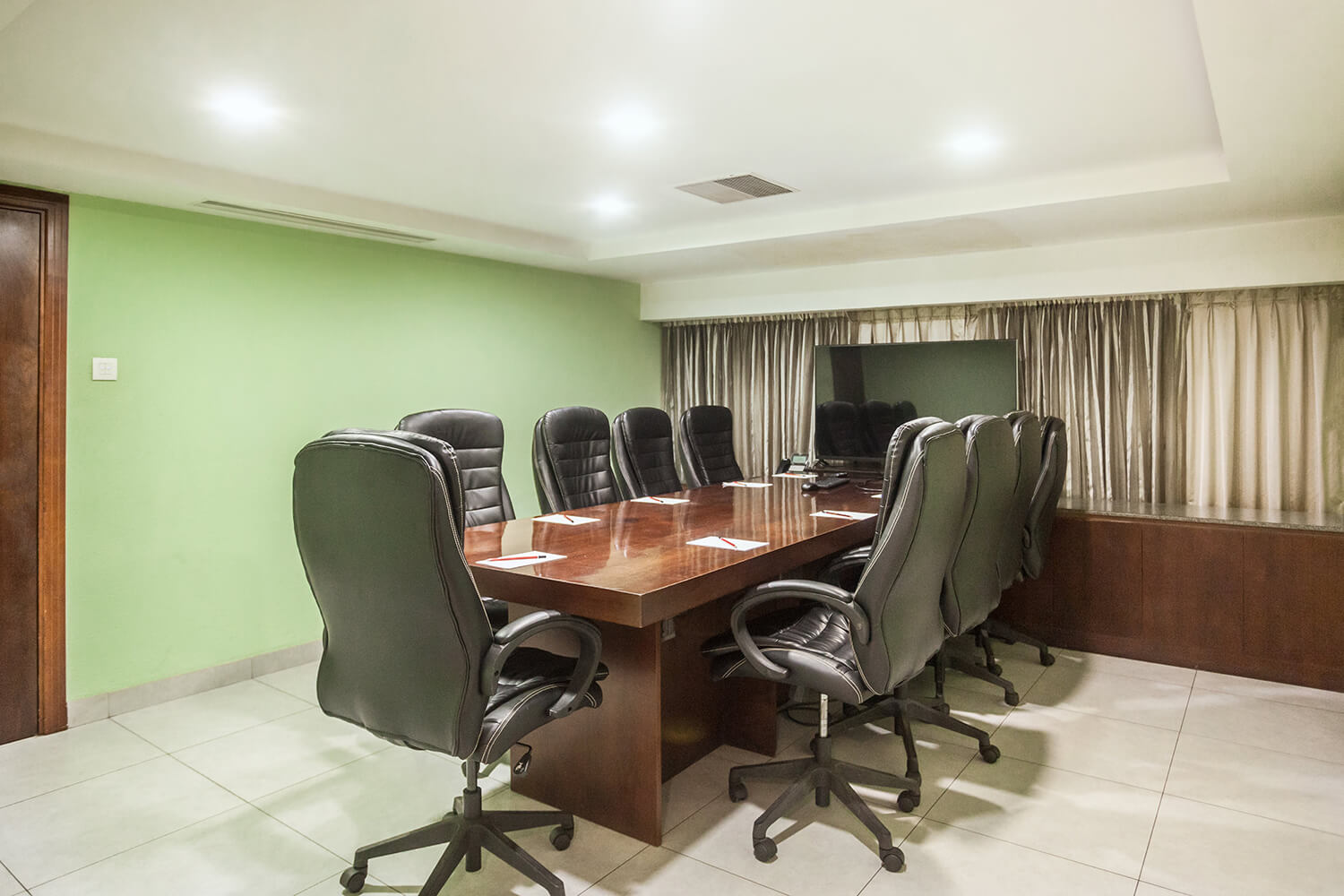 Weddings and Meetings - Majlis Boardroom