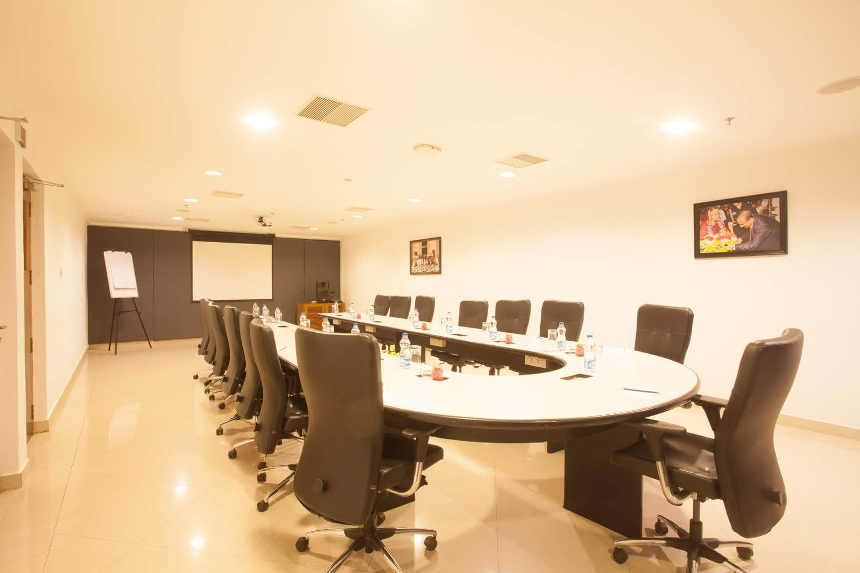Weddings and Meetings hall - The Majlis