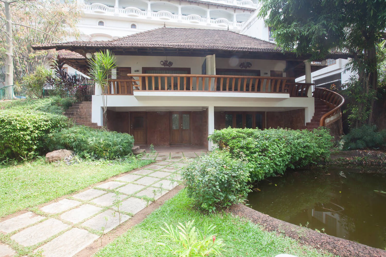 Raviz Ashtamudi - Villas