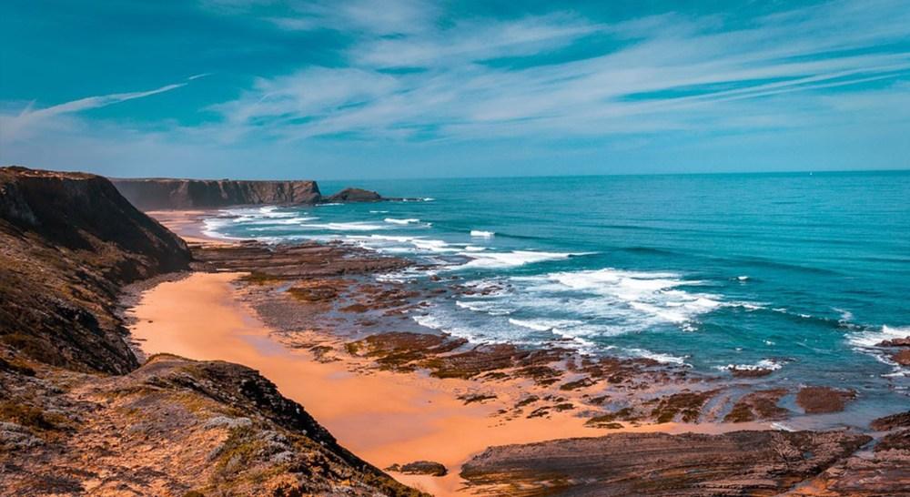 best area to stay in algarve coastline beach sun sea sand rocks