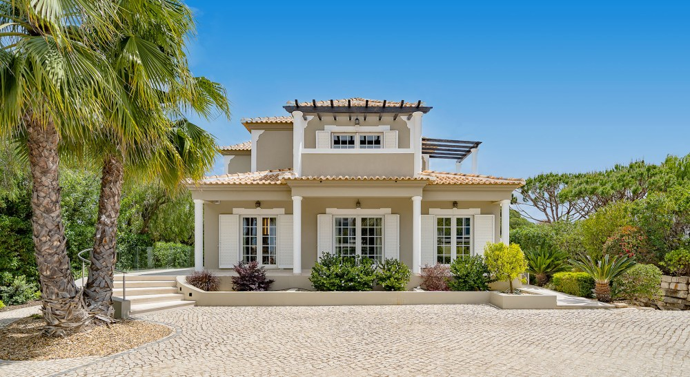 Villa Averil