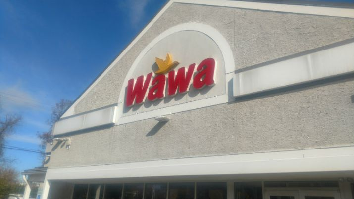 The Great Wawa Vs. Sheetz Debate: Round 4 - Customer Service, Intangibles, & Holiday Charm
