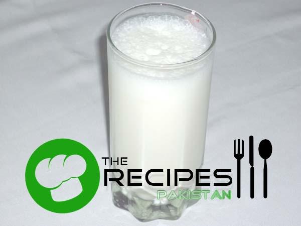 How to Make Yogurt Lassi