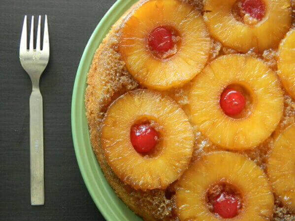 Eggless-Pineapple-Upside-Down