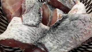 How to remove odour from fish before cooking