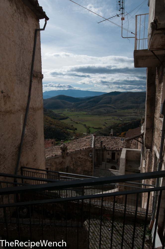 Castel del Monte view from alley way