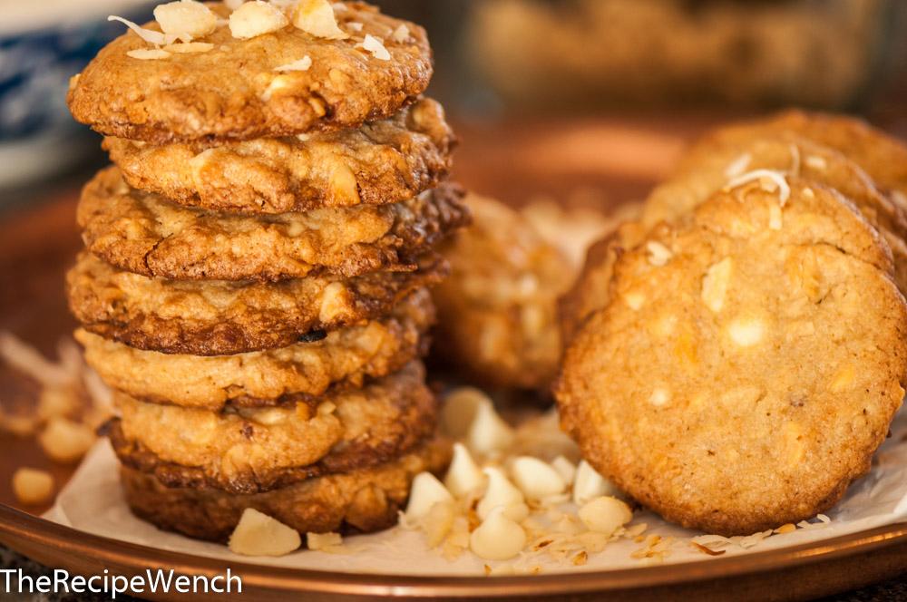 Macadamia-White Chocolate Cookie