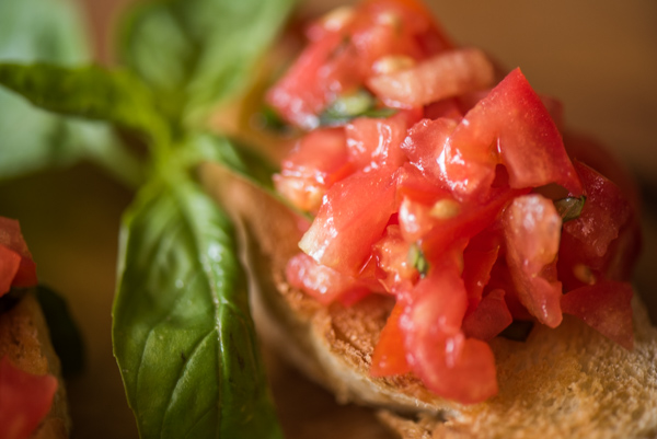Bruschetta - Simple and Delicious