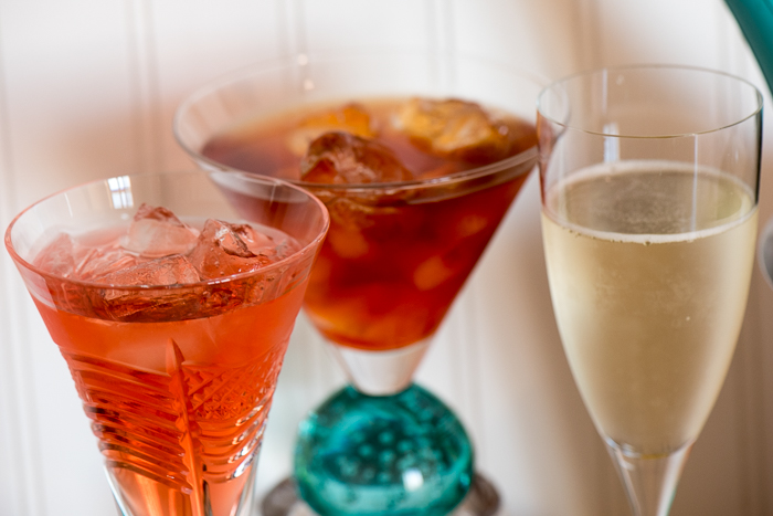 Mocktails are essential offerings at any party. Be a hero. Give non-imbibing guests an exciting alternative. Sparkling Apple Mocktail -- tasty and easy! | The Recipe Wench