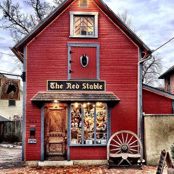 The Red Stable's 2nd Year Anniversary Weekend !!