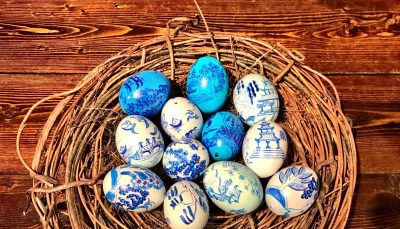 Lisa Schorr, Hand Painted Blue Willow Eggs