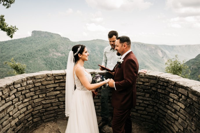 A bride and groom photo at Wiseman's View
