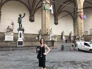 Chrissy at the The Loggia dei Lanzi