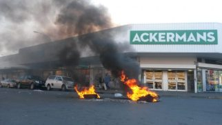 Fire in the afternoon between Shoprite and Ackermans