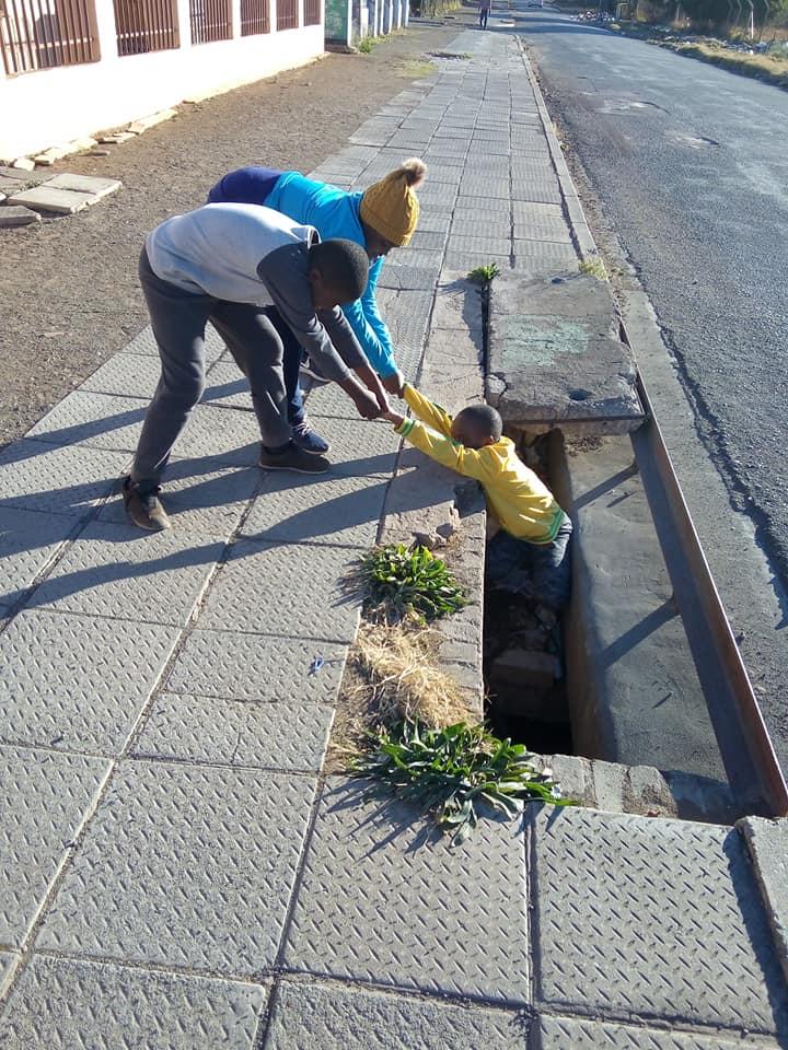 2-Rep-manhole