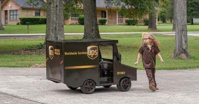 UPS Delivers Wishes And Gives Back Holiday Season