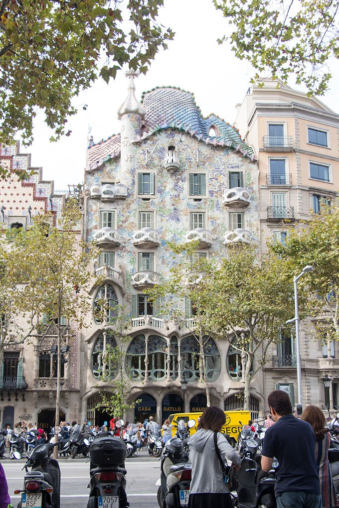 Tour Casa Batllo: Fun things to do in Barcelona for a girlfriends getaway.