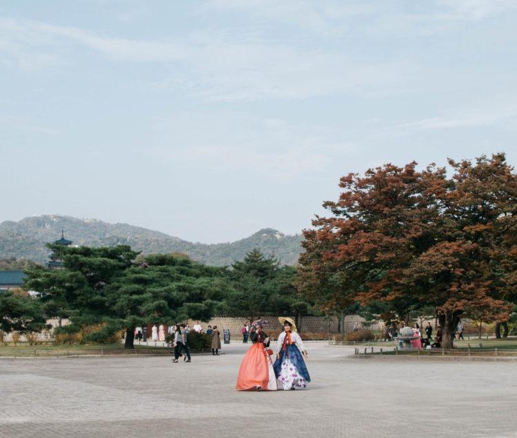 Hanboks in Gyeongbokgung