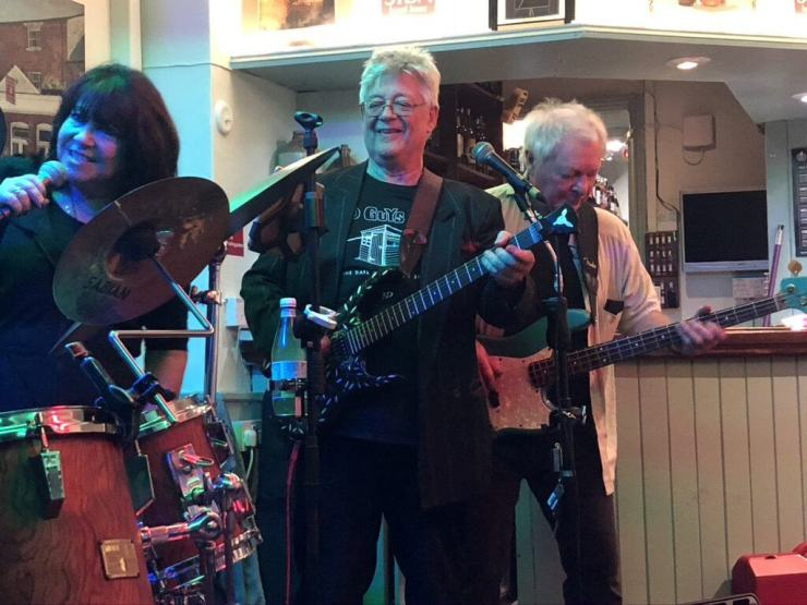 """Martine Howard, John """"Dusty"""" Dunsterville and Les Calvert playing live at The Retreat pub in Reading."""