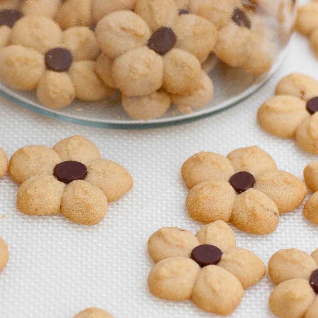 peanut butter petal cookies
