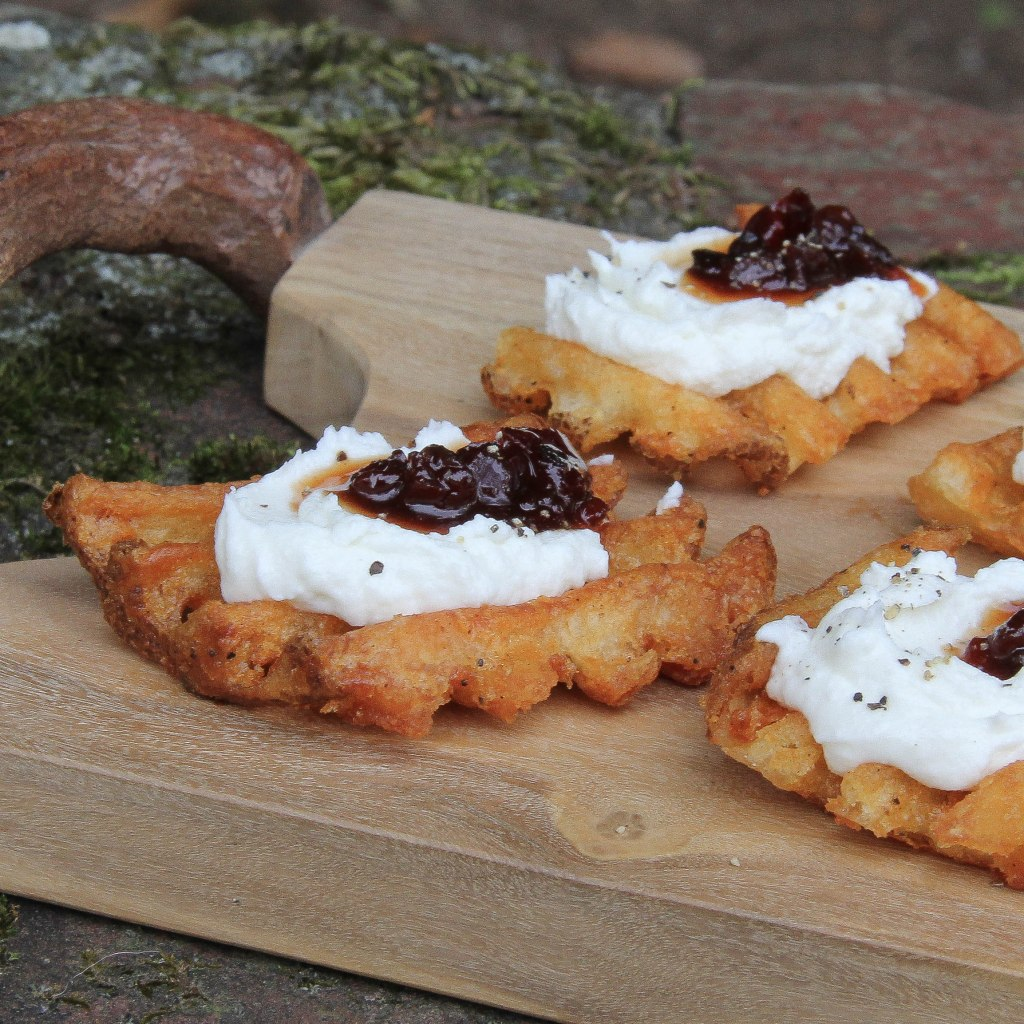 waffle potato with goat cheese