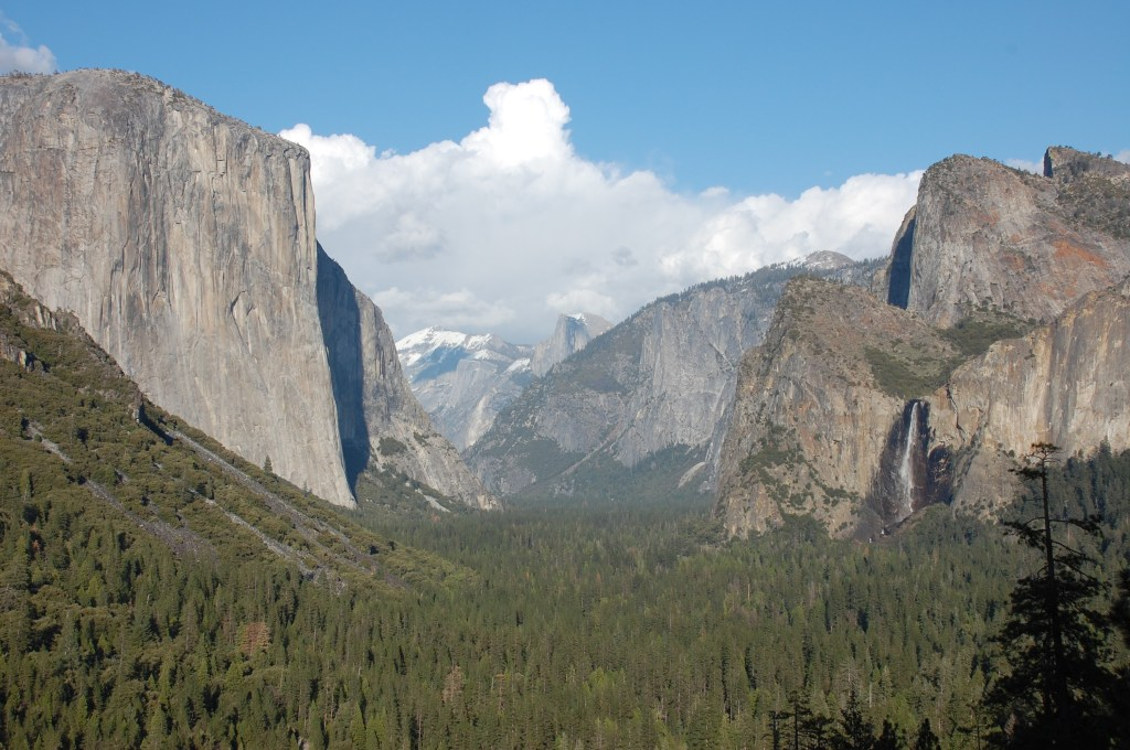 The breathtaking view from Tunnel View.