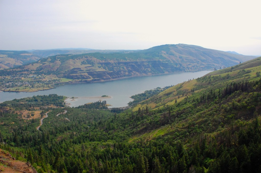 McCall Point Trail | Columbia River Gorge | www.theringers.co